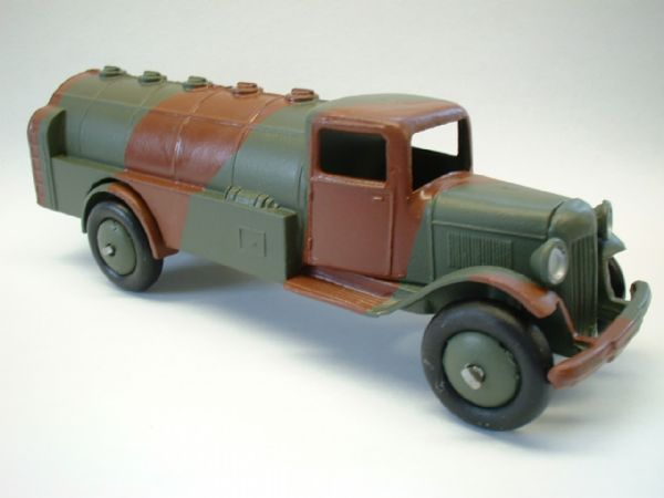A DINKY TOYS COPY MODEL 125C CITERNE MILITAIRE (CAMOUFLAGE BRUN / VERT ARMEE)